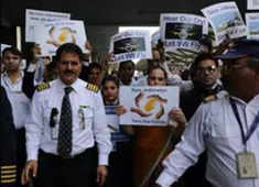 Jet Airways Pilots Seek PM Modi's intervention to save there jobs, Ask SBI for Funds