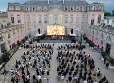 Rave at the palace: President Macron resumes pre-Covid gig