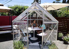 In Los Angeles, a cafe shields diners from virus with private greenhouses