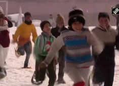 J&K: First-ever snowshoe run organised in Srinagar to boost winter sports