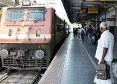 DMK opposes railway circular, tells station masters to communicate in English or Hindi