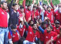Lucknow: Zomato delivery executives hold protest after company cuts payouts