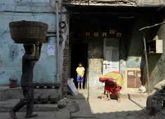 Why Mumbai slum-dwellers fear Dharavi redevelopment