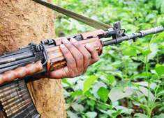 Maoists kill two policemen in Jharkhand