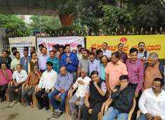 Bengaluru: Journalists protest against ban on live telecast of House proceedings