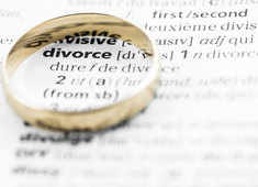 How a mother can financially protect her child in case of a divorce