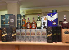 Good news for tipplers! Seized liquor to satiate you at far lower cost in Delhi