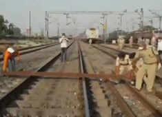 Migrants crisis: Shramik train passengers block railway track in Chandauli over scaricty of food, water