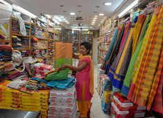 Sales galore as Amazon, Flipkart woo reluctant festive shoppers