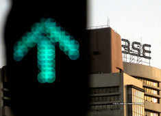 Sensex jumps 300 points, Nifty50 nears 10,400; ITC rises 2% ahead of Q4 numbers