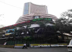 HDFC, RIL give Sensex 409-point lift, Nifty50 tops 10,800