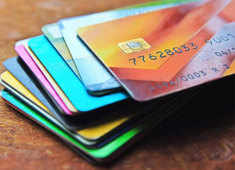 Understand how credit cards work to manage money better