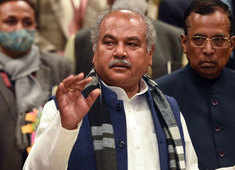 After Farmer Unions reject govt proposal to stay farm laws, Narendra Tomar meets Amit Shah