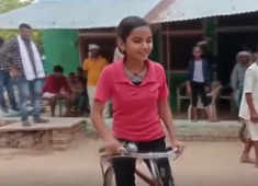 MP girl scores 98.5% in 10th exams; cycled 25 km daily for school