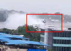 FED EX Flight veers off runway in Mumbai's International Airport