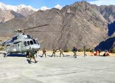 Watch: IAF's Mi-17 chopper offloads relief equipments at Joshimath