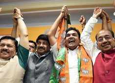Delhi: Rebel AAP leader Kapil Mishra joins BJP