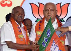 Karnataka: BJP leader AH Vishwanath continues to target BS Yediyurappa govt