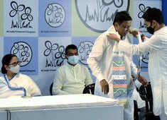 'Ghar wapsi': Ex-BJP VP Mukul Roy, son join TMC in presence of Mamata Banerjee