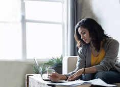 Personal finance tips for Gen 'Sandwich' mothers
