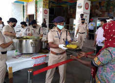 India lockdown: Cooked food served to needy at Howrah station by railway officials