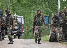 Security officer of PDP leader Haji Parvaiz Ahmed shot at in Srinagar