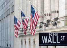 Stocks nosedive on Wall Street, triggering trading halt