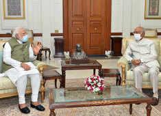 PM Modi meets President Kovind, briefs him on issues of national, international importance