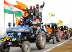 SC refuses to pass order on farmers' tractor rally, says entry into Delhi to be decided by police