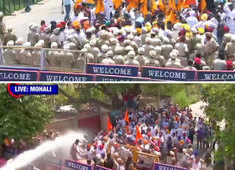 SAD protests outside Punjab CM's Siswan residence; forces use water cannons