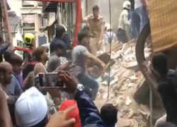 Watch: A child rescued from building collapsed in Mumbai's Dongri