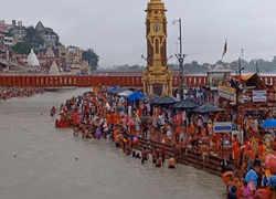 Devotees celebrate 'Guru Purnima' across country