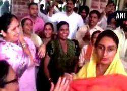 Watch: Harsimrat Kaur Badal dances to celebrate her victory on Bathinda Lok Sabha seat