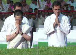 Sonia Gandhi, Rahul pay tribute to Pt Nehru on his death anniversary