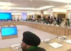 Delhi Chalo' protest: Leaders of Farmers organisation arrives at Vigyan Bhawan for 5th round of talks with Govt