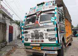 J-K police seizes truck full of arms, 3 arrested