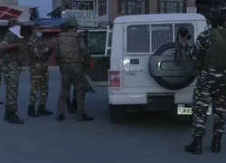 Srinagar: CRPF jawan, policeman injured in encounter with militants; gunbattle on