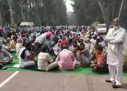 Delhi Chalo' protest: 5th round of talks today as farmers' protest enters day 10