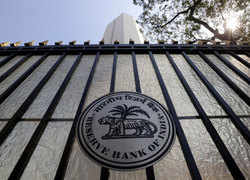 RBI issues notification for New bank locker rules: Here is all you need to know