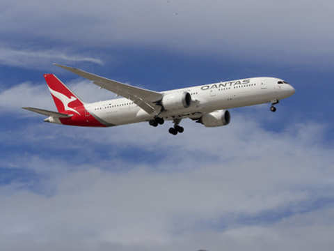 Qantas Airways expects to start international flights in October