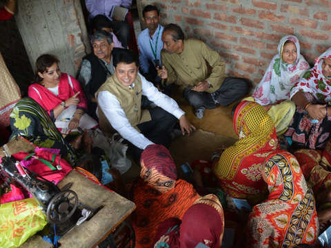 Village Financial Services: Market-based impact lending for the underserved, unbanked