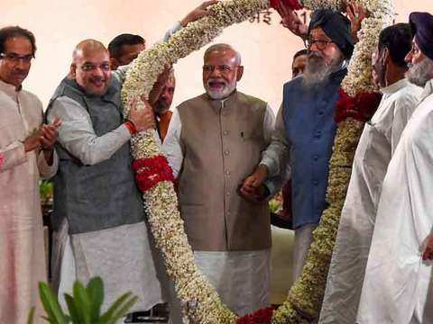 PM Modi expresses concern over 'needless controversy' over EVMs at NDA meeting