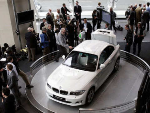Activee Bmw S Latest Electric Car Pictures Videos The Economic