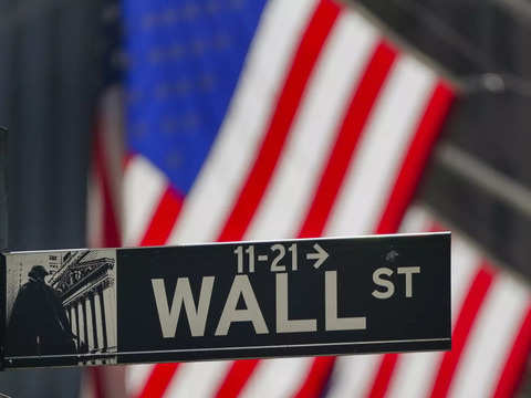 Wall St Week Ahead: Tech shares could retake market reins as earnings heat up