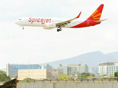 Smoke emanates from Spicejet flight, passengers safe
