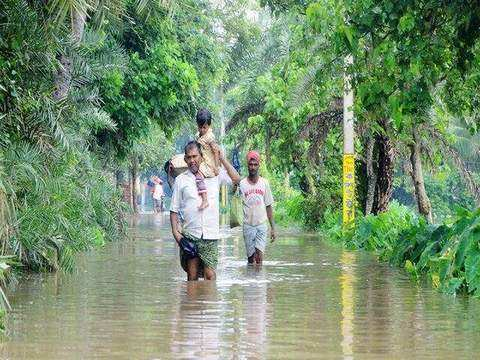 Rain water recedes from flooded areas of Kolkata