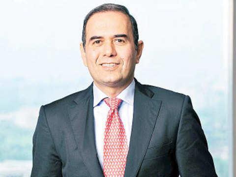 No problem if fiscal consolidation slows: Gunit Chadha, Deutsche Bank