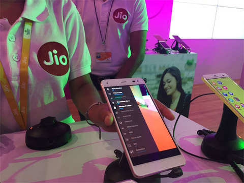 Here's how Reliance Jio launch may help you cut your phone bills