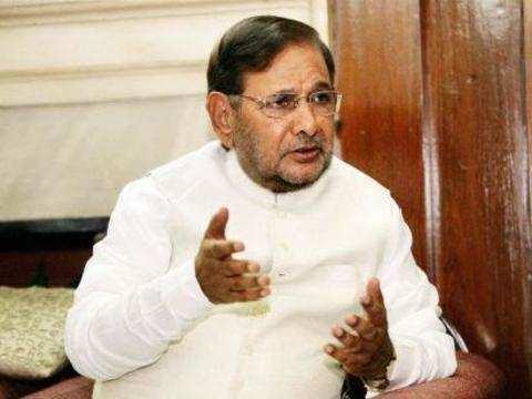 Sharad Yadav meets Manmohan Singh to project alternative J&K vision