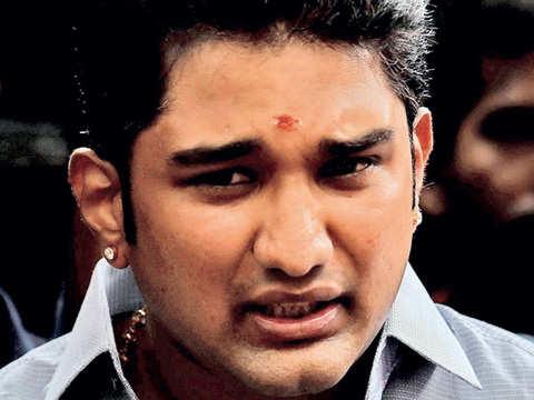 I-T raids not politically motivated: Sasikala nephew Jayaraman